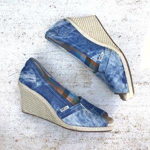 Toms acid wash denim peep toe wedges size 9